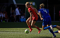 Portland, Oregon - Sunday September 4, 2016: Portland Thorns FC midfielder Lindsey Horan (7) controls the ball during a regular season National Women's Soccer League (NWSL) match at Providence Park.