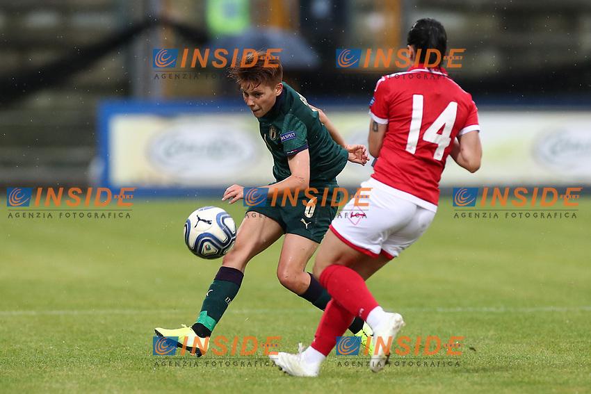 Manuela Giugliano of Italy and Shona Zammit of Malta compete for the ball<br /> Castel di Sangro 12-11-2019 Stadio Teofolo Patini <br /> Football UEFA Women's EURO 2021 <br /> Qualifying round - Group B <br /> Italy - Malta<br /> Photo Cesare Purini / Insidefoto