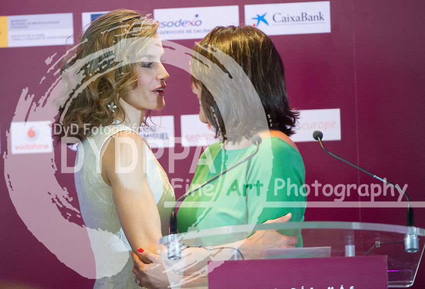 Queen Letizia greets Monica Carrillo