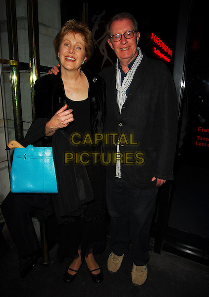 LYNN REDGRAVE & CORIN REDGRAVE.At the Theatre Museum Fundraising Reception, Theatre Museum, London, England, May 16th 2006..full length.Ref: CAN.www.capitalpictures.com.sales@capitalpictures.com.©Can Nguyen/Capital Pictures