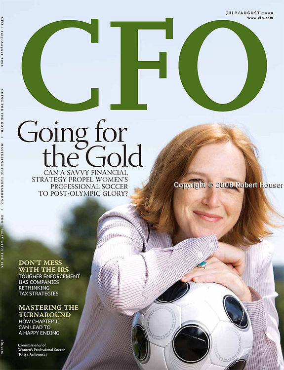 CFO magazine cover feature : Tearsheets by San Francisco Bay Area - corporate and annual report - photographer Robert Houser. 2008 pictures.