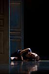 Crossroads to Synchronicity<br /> <br /> Chorégraphie & conception films Carolyn Carlson<br /> Assistant chorégraphique Henri Mayet <br /> Avec Juha Marsalo, Ricardo Meneghini, Céline Maufroid, Isida Micani, Yukata Nakata, Sara Orselli <br /> Création lumière Rémi Nicolas assisté de Guillaume Bonneau <br /> Scénographie Carolyn Carlson et Rémi Nicolas <br /> Chorégraphie & conception films avec la complicité des interprètes<br /> Date : 09/11/2017<br /> Lieu : Théâtre de Rungis<br /> Ville : Rungis