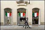 Torino si prepara ai festeggiamenti per i 150 anni dell'unità d'Italia. Boutique San Carlo.