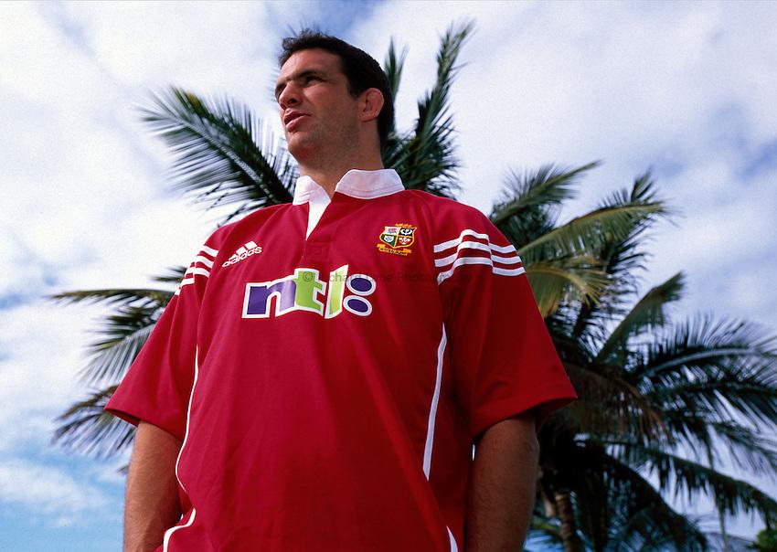 Photo. Richard Lane. .Lions Tour 2001 to Australia. Match 3. .British and Irish Lions captain, Martin Johnson, the team hotel before leaving for Brisbane. Jupiter Hotel, Townsville, Queensland, Australia. 13/6/2001