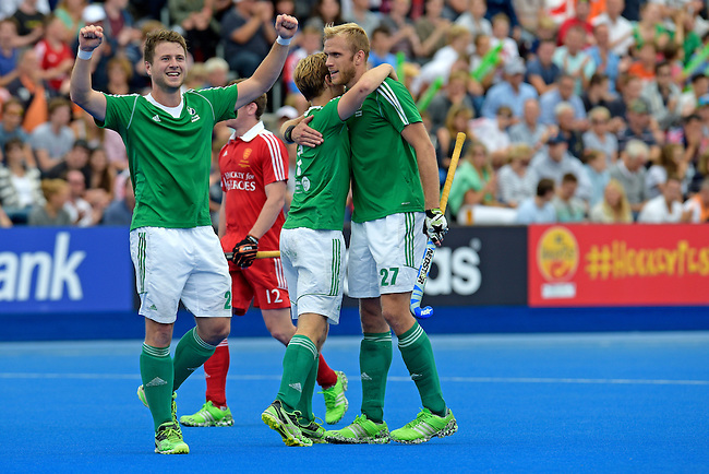 ENG - London, England, August 29: During the men bronze medal match between Ireland (green) and England (red) on August 29, 2015 at Lee Valley Hockey and Tennis Centre, Queen Elizabeth Olympic Park in London, England. Final score 4-2 (2-2). (Photo by Dirk Markgraf / www.265-images.com) *** Local caption *** Kyle GOOD #24 of Ireland, Michael WATT #7 of Ireland, Conor HARTE #27 of Ireland