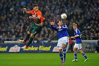 FUSSBALL   1. BUNDESLIGA    SAISON 2012/2013    11. Spieltag   FC Schalke - 04 Werder Bremen                              10.11.2012 Marko Arnautovic (li, SV Werder Bremen) gegen Christian Fuchs (re, FC Schalke 04)
