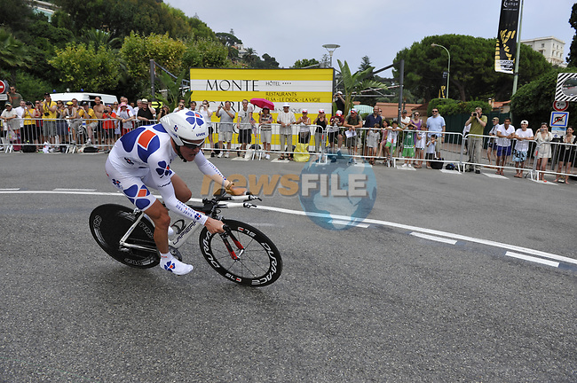 FDJ team rider Jussi Veikkanen (FIN) rounds the hairpin during the 1st stage prologue of the 2009 Tour de France in Monaco, 4th July 2009 (Photo by Eoin Clarke/NEWSFILE)