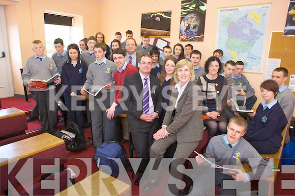 A joint Transition Year Programme will begin in September for Presentation Girl's Secondary School and St. Patrick's Boy's Sedcondary School, Castleisland. Pictured were both classes and principal Eileen Kennelly (Presentation), Denis O'Donovan (St Pat's) and TY co-ordinators Annette Leen and Tim Long with Deputy principal of St Pat's Padraig Kelliher.