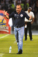 BARRANQUILLA- COLOMBIA -21-05-2016: Jaime de la Pava, técnico de Cortulua, durante partido entre Atletico Junior y Cortulua, de la fecha 19 de la Liga Aguila I-2016, jugado en el estadio Metropolitano Roberto Melendez de la ciudad de Barranquilla. / Jaime de la Pava coach of Cortulua, during a match between Atletico Junior and Cortulua, for date 19 of the Liga Aguila I-2016 at the Metropolitano Roberto Melendez Stadium in Barranquilla city, Photo: VizzorImage  / Alfonso Cervantes / Cont.
