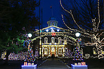 The Nevada Capitol decorated for Christmas in Carson City, Nev., on Friday, Dec. 18, 2015.<br /> Photo by Cathleen Allison