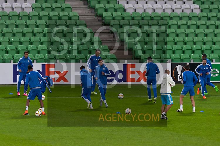 Voetbal: 16-9-2015,UEFA, Fc Groningen vs Olympique de Marseille,training,(middle) Karim Rekik of Olympique de Marseille