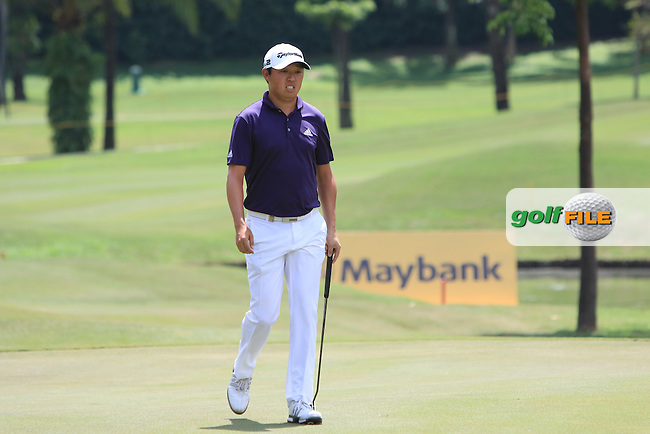 David Lipsky (USA) on the 17th green during Round 4 of the Maybank Championship on Sunday 12th February 2017.<br /> Picture:  Thos Caffrey / Golffile<br /> <br /> All photo usage must carry mandatory copyright credit     (&copy; Golffile | Thos Caffrey)