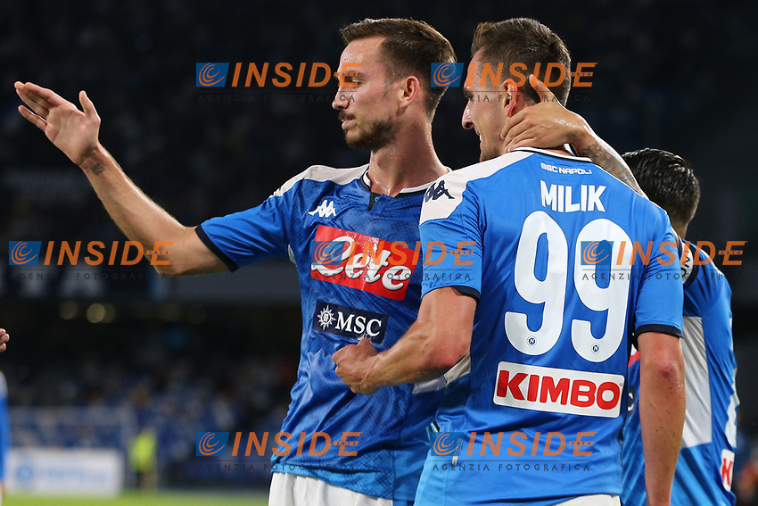 Arkadiusz Milik of Napoli celebrates with team mates after scoring a goal<br /> Napoli 19-10-2019 Stadio San Paolo <br /> Football Serie A 2019/2020 <br /> SSC Napoli - Hellas Verona FC<br /> Photo Cesare Purini / Insidefoto