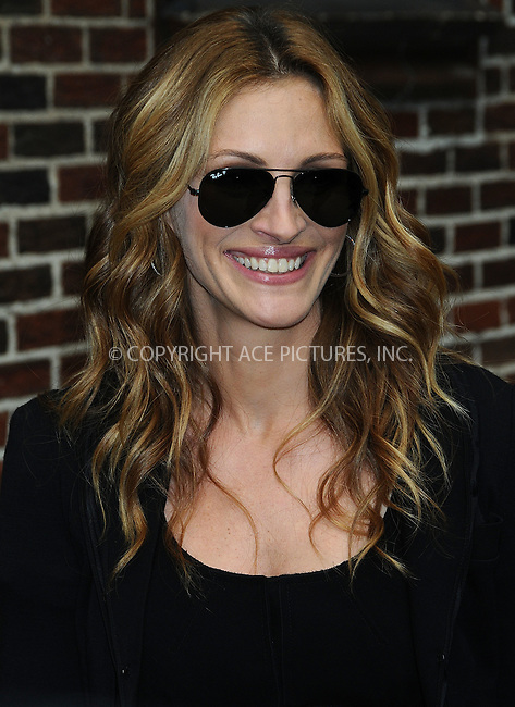 WWW.ACEPIXS.COM . . . . .  ....June 9 2009, New York City....Actress Julia Roberts made an appearance at the 'Late Show with David Letterman' at the Ed Sullivan Theatre on June 9 2009 in New York City....Please byline: AJ Sokalner - ACEPIXS.COM..... *** ***..Ace Pictures, Inc:  ..tel: (212) 243 8787..e-mail: info@acepixs.com..web: http://www.acepixs.com