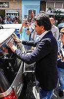 SAO PAULO, SP, 17 AGOSTO 2012 - ELEICOES 2012 - GABRIEL CHALITA - O candidato a prefeitura de Sao Pauilo, pelo PMDB Gabriel Chalita, durante caminhada pela Rua da Mooca no bairro da Mooca na regiao leste da capital paulista, nesta sexta-feira, 17. (FOTO: WILLIAM VOLCOV / BRAZIL PHOTO PRESS).