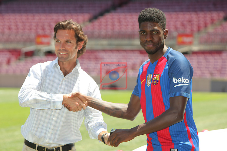 League BBVA 2016/2017.<br /> Samuel Umtiti presented as new player of FC Barcelona.<br /> Pepe Soler-Roig &amp; Samuel Umtiti.