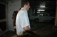 Acusado pelos pistoleiros, que mataram  Dorothy Stang, Vitalmiro Bastos de Moura o Bida 34 anos, chega a Base Aérea de Belém algemado , escoltados por policiais federais.<br /> Belém, Pará, Brasil.<br /> Foto Paulo Santos/Acervo H<br /> 27/03/2005
