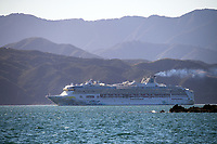 The cruise ship Explorer Dream in Wellington, New Zealand on Wednesday, 13 december 2019. Photo: Dave Lintott / lintottphoto.co.nz