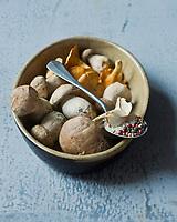 Gastronomie générale: Poêlée de champignons- cèpes et girolles