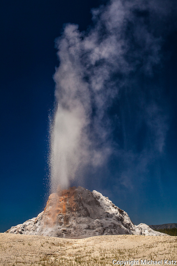 White Dome Geyser, Yellowstone