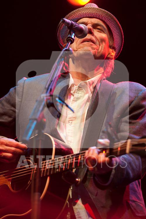JOHN HIATT in concert .July 10,2012.(ALTERPHOTOS/Ricky)