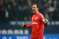 FUSSBALL   1. BUNDESLIGA   SAISON 2012/2013    25. SPIELTAG FC Schalke 04 - Borussia Dortmund                         09.03.2013 Torwart Timo Hildebrand (FC Schalke 04) jubelt nach dem Abpfuff