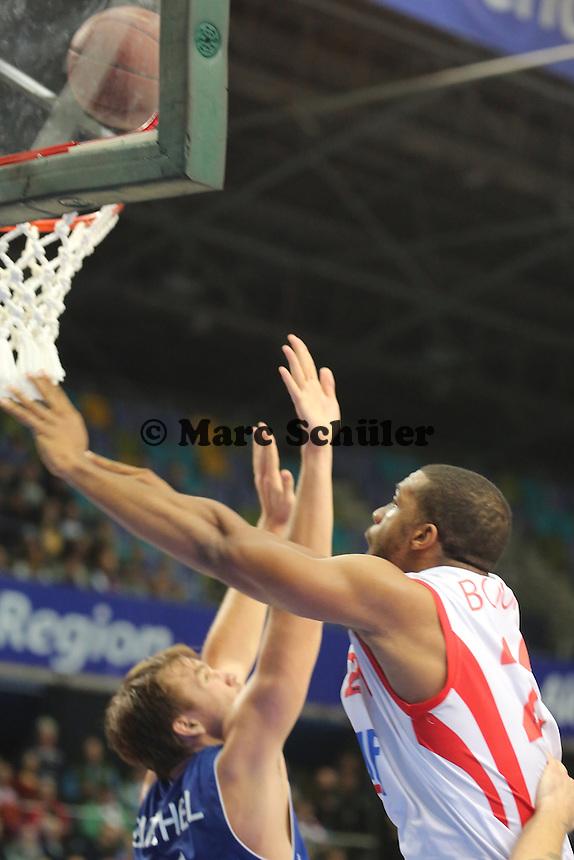 Jason Boone (Wuerzburg) gegen Danilo Barthel (Skyliners) - Fraport Skyliners vs. s.Oliver Baskets Würzburg, Fraport Arena Frankfurt