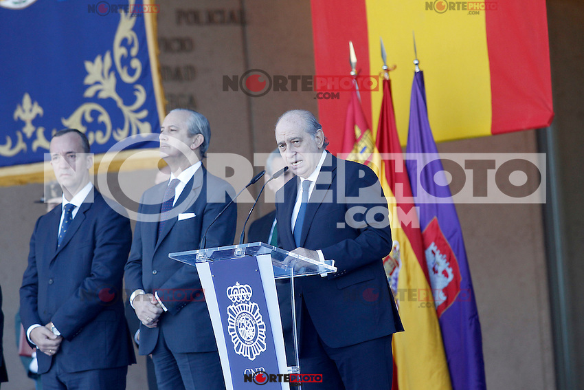 Spain's Interior Minister Jorge Fernandez Diaz attends the delivery ceremony of the Spanish flag to Spanish Police on November 10, 2015 in Avila, Spain.(ALTERPHOTOS/Acero)