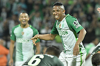 MEDELLÍN -COLOMBIA-10-05-2017: Andres Ibarguen jugador de Atlético Nacional de Colombia celebra después de anotar el cuarto gol de su equipo a Chapecoense de Brasil durante partido de vuelta por la final de la CONMEBOL Recopa Sudamericana 2017 jugado en el estadio Atanasio Girardot de la ciudad de Medellín. / Andres Ibarguen player of Atletico Nacional of Colombia celebrates after scoring the fourth goal of his team to Chapecoense of Brazil during second leg match for the final of the CONMEBOL Recopa Sudamericana 2017 played at Atanasio Girardot stadium in Medellin city. Photo: VizzorImage / Gabriel Aponte / Staff