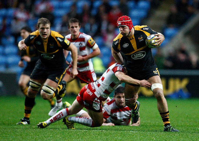 Photo: Richard Lane/Richard Lane Photography. Wasps. v Gloucester Rugby.  Aviva Premiership. 08/11/2015.  Wasps' James Haskell attacks.