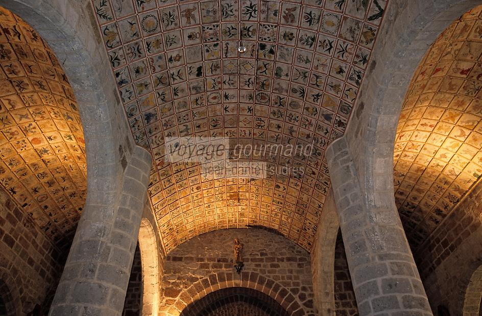 Europe/France/Auvergne/15/Cantal/Cheylade: l'église - Détail du plafond peint - Voute à caissons en chène du XVIIIème siècle