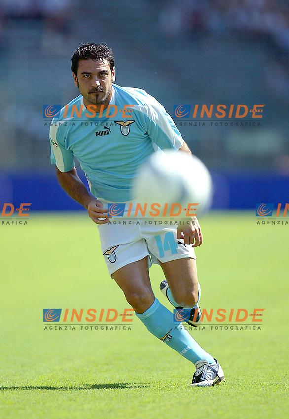 Roma 31/8/2003<br /> Lazio Lecce 4-1<br /> Stefano Fiore festeggiato dai compagni (Lazio)<br /> Foto Insidefoto