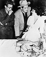 Giant (1956) <br /> James Dean, Elizabeth Taylor &amp; Rock Hudson<br /> *Filmstill - Editorial Use Only*<br /> CAP/KFS<br /> Image supplied by Capital Pictures