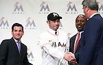 (L-R) David Samson, Ichiro Suzuki, Michael Hil, Dan Jennings (Marlins), JANUARY 29, 2015 - MLB : Miami Marlins newly signed outfielder Ichiro Suzuki (second left), president David Samson (L), general manager Dan Jennings (R) and Director of Baseball Operations Michael Hill (second right) attend an introductory news conference in Tokyo, Japan. (Photo by Motoo Naka/AFLO)