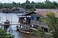 Asie/Malaisie/Bornéo/Sabah/Env de Kota Kinabalu: Village Lacustre de Menykabong