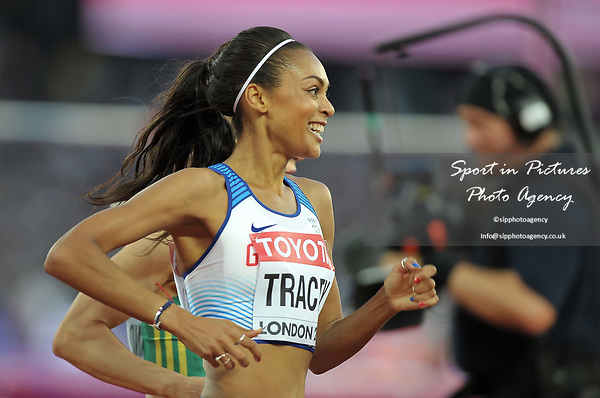 Adelle TRACEY (GBR) in the womens 800m heats. IAAF world athletics championships. London Olympic stadium. Queen Elizabeth Olympic park. Stratford. London. UK. 10/08/2017. ~ MANDATORY CREDIT Garry Bowden/SIPPA - NO UNAUTHORISED USE - +44 7837 394578