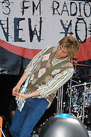 Hometown Hero performing at the K-Rock Dysfunctional Family Picnic at Jones Beach Theater in New York on June 8, 2002. Photo by Jen Lombardo/PictureGroup