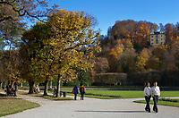 Oesterreich, Salzburger Land, Salzburg: Schloss Hellbrunn, Spaziergang im Park | Austria, Salzburger Land, Salzburg: Castle Hellbrunn, a walk in the park