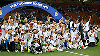 Calcio, finale di Champions League: Real Madrid vs Atletico Madrid. Stadio San Siro, Milano, 28 maggio 2016.<br /> Real Madrid's players celebrate at the end of their Champions League final match against Atletico Madrid, at Milan's San Siro stadium, 28 May 2016. Real Madrid won 5-4 on penalties after the game ended 1-1.<br /> UPDATE IMAGES PRESS/Isabella Bonotto