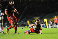 Ben Ransom of Saracens dives over to score a second half try during the Premiership Rugby match between Saracens and Worcester Warriors - 28/11/2015 - Twickenham Stadium, London<br /> Mandatory Credit: Rob Munro/Stewart Communications