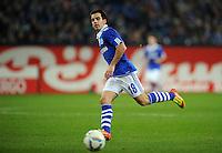 FUSSBALL   1. BUNDESLIGA   SAISON 2011/2012    15. SPIELTAG FC Schalke 04 - FC Augsburg            04.12.2011 Jose Manuel Jurado (FC Schalke 04) Einzelaktion am Ball