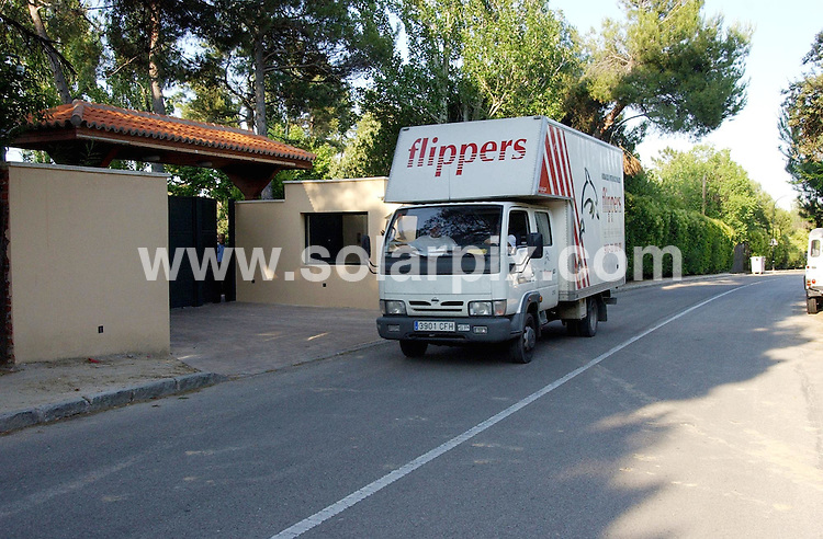 **ALL ROUND EXCLUSIVE PICTURES FROM SOLARPIX.COM**.**WORLDWIDE SYNDICATION RIGHTS EXCLUDING SPAIN - NO PUBLICATION IN SPAIN**.Whilst David & Victoria Beckham are away on a weeks holiday the removal vans have moved in at their Madrid home to pack up and transport their belongings to the UK.Ita has been confirmed toady that the Beckham Madrid villa has now been sold..This Pic:Removal vans at the Beckham villa in Madrid.**FULL STORY & COPY AVAILABLE FROM GERARD COUZENS +34 659567821.JOB REF: 4109   RAM/BKG       DATE: 20.6.07.**MUST CREDIT SOLARPIX.COM OR DOUBLE FEE WILL BE CHARGED* *UNDER NO CIRCUMSTANCES IS THIS IMAGE TO BE REPRODUCED FOR ANY ONLINE EDITION WITHOUT PRIOR PERMISSION*