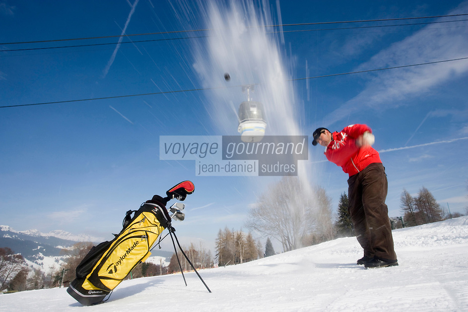 Europe/France/Rhone-Alpes/74/Haute-Savoie/Megève : Golf  sur la neige  avec Jean Luc Biset -  Mention Megève Obligatoire / [Non destiné à un usage publicitaire - Not intended for an advertising use]