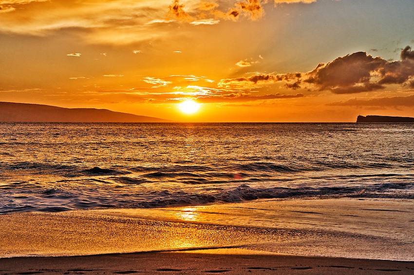 A sunset viewed at Big Beach, Makena State Park, Maui, Hawaii