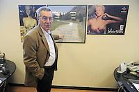 - ditta Milestone a Sorisole (Bergamo), produzione di apparecchiature diagnostiche ospedaliere, il titolare Franco Visinoni<br /> <br /> - Milestone company in Sorisole (Bergamo), production of hospital diagnostic equipments, the owner Franco Visinoni