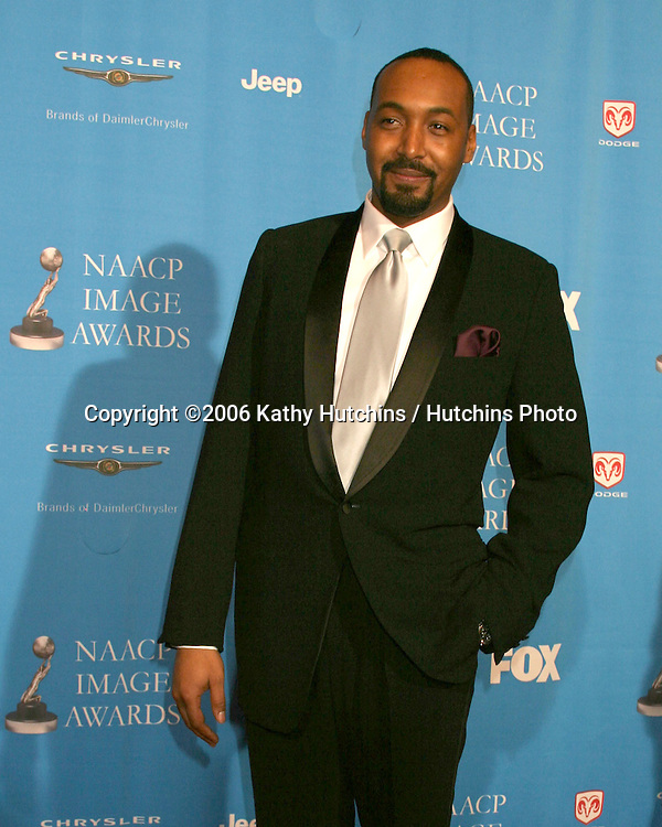 Jesse L. Martin.37th NAACP Image Awards.Shrine Auditorium.Los Angeles, CA.February 25, 2006.©2006 Kathy Hutchins / Hutchins Photo....                 V