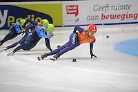 SHORTTRACK: DORDRECHT: Sportboulevard Dordrecht, 25-01-2015, ISU EK Shorttrack, 1000m Men Finale A, Victor AN (RUS | #60), Sjinkie KNEGT (NED | #1), ©foto Martin de Jong