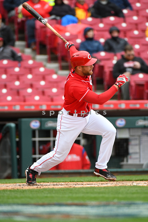 Cincinnati Reds Zack Cozart (2) during a game against the Philadelphia Phillies on April 6, 2017 at Great American Ballpark in Cincinnati, OH. The Reds beat the Phillies 4-7.