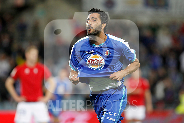 Getafe's Daniel Gonzalez Guiza celebrates goal during La Liga match.October 26,2011. (ALTERPHOTOS/Acero)