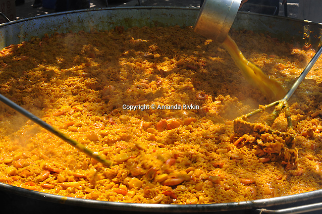 Fideua, a traditional Valencian seafood macaroni dish not unlike paella, for 400 for lunch for an entire town during the municipal fiestas is seen in Costur, Spain on August 19, 2009.
